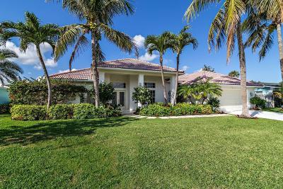 Single Family Home For Sale: 160 Beacon Lane