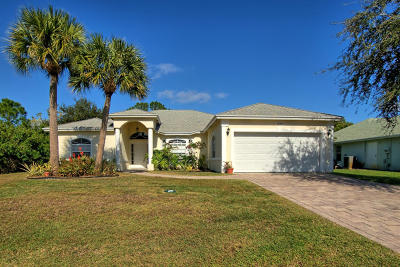 Port Saint Lucie Single Family Home For Sale: 1045 SE Bywood Avenue