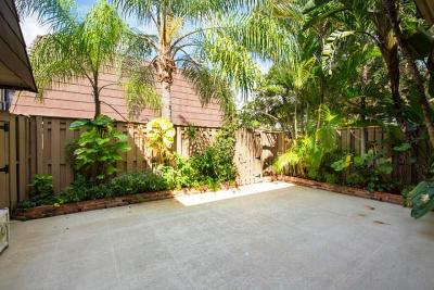 Palm Beach Gardens Townhouse For Sale: 815 8th Court