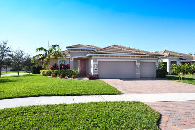 Jensen Beach Single Family Home For Sale: 2200 NW Windemere Drive
