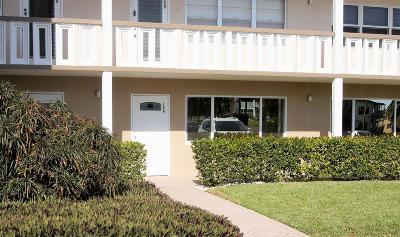 West Palm Beach Condo For Sale: 149 Dover C