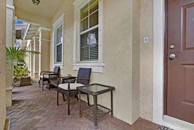 Jupiter Townhouse Contingent: 265 Indian Creek Parkway #104