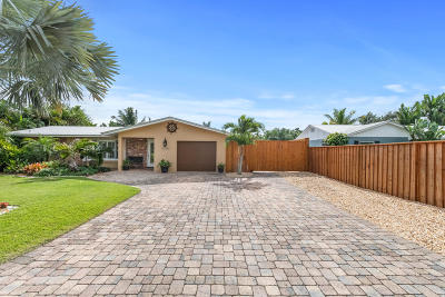 Hobe Sound Single Family Home For Sale: 9444 SE Saturn Street