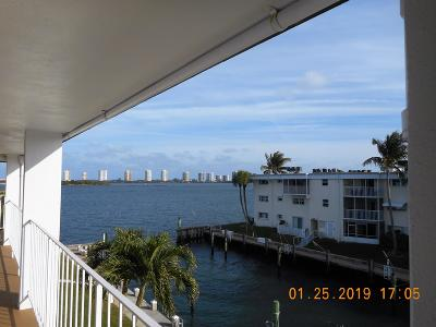 North Palm Beach Condo For Sale: 110 Shore Court #302