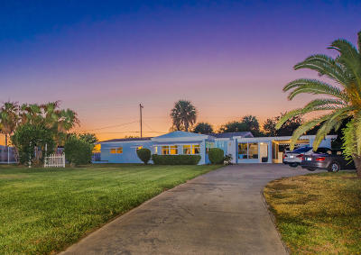 Fort Pierce Single Family Home For Sale: 4249 S Indian River Drive
