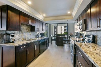 West Palm Beach Condo For Sale: 2427 Presidential Way #401