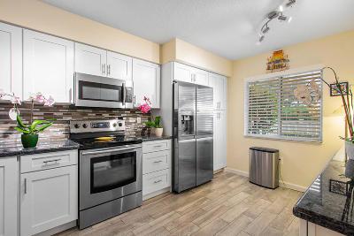 Boynton Beach Single Family Home For Sale: 5876 Regal Glen Drive #102