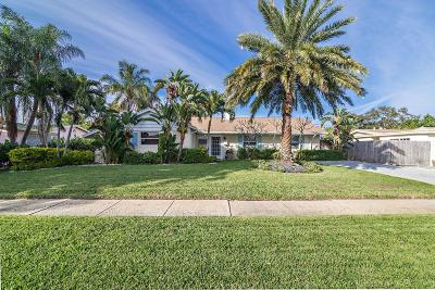 North Palm Beach Single Family Home Contingent: 525 Inlet Road