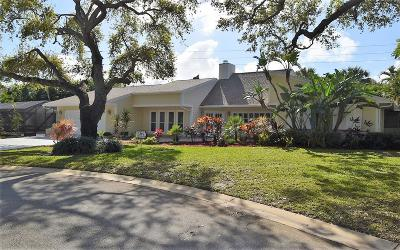 Sewalls Point Single Family Home For Sale: 2 Palm Court