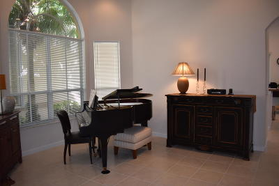 Delray Beach Single Family Home For Sale: 1653 W Classical Boulevard