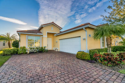 Jensen Beach Single Family Home For Sale: 4204 NW Oakbrook Circle