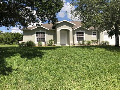 Port Saint Lucie Single Family Home For Sale: 563 SW Columbus Drive