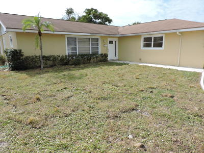 Lake Park Single Family Home For Sale: 528 Date Palm Drive