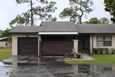 Royal Palm Beach Single Family Home Contingent: 40 Seminole Court E