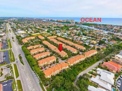 Boca Raton Townhouse For Sale: 5530 NE Trieste Terrace