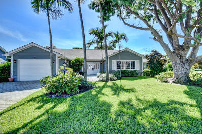 Boynton Beach Single Family Home For Sale: 18 Holly Drive