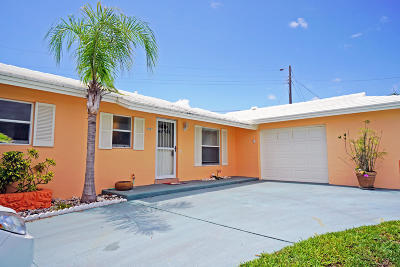 Riviera Beach Single Family Home For Sale: 1211 Manor Drive