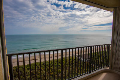 Jensen Beach Condo For Sale: 7370 S Ocean Drive #715