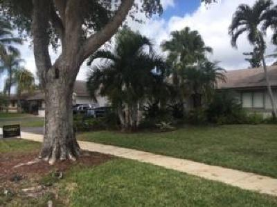 Davie Single Family Home For Sale: 8171 SW 28th Street