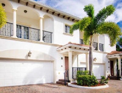 North Palm Beach Townhouse For Sale: 816 Prosperity Farms Road #2