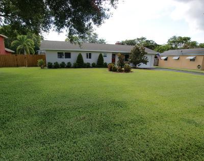 Jupiter Single Family Home For Sale: 702 Pinegrove Avenue