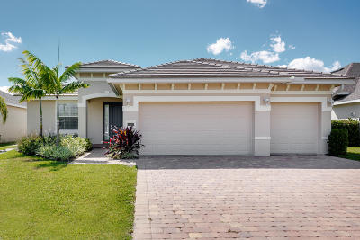Jensen Beach Single Family Home For Sale: 440 NW Sunflower Place