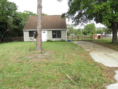 Delray Beach Single Family Home For Auction: 5195 Greenwood Drive