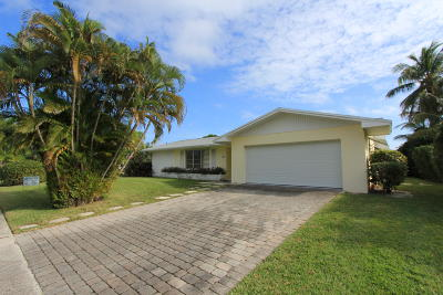 North Palm Beach Single Family Home Contingent: 130 Dory Road S