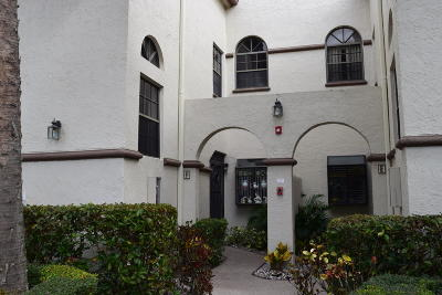 Boynton Beach Condo For Sale: 5136 Floria Drive