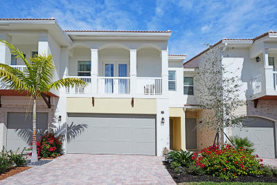 Boca Raton Townhouse For Sale: 100 NW 69th Circle #22
