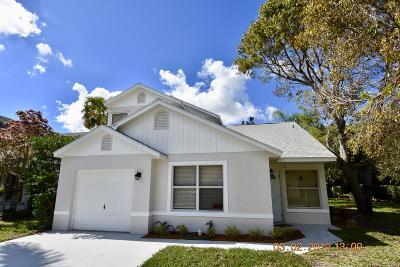 Boynton Beach Single Family Home Contingent: 111 Tara Lakes Drive W