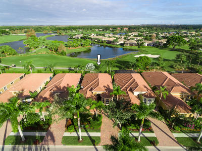 West Palm Beach Single Family Home For Sale: 7944 Via Villagio
