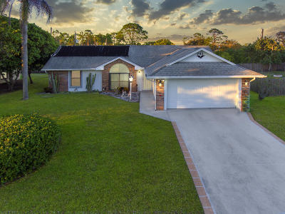 Port Saint Lucie Single Family Home For Sale: 741 SE Lighthouse Avenue