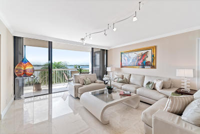 Palm Beach Condo For Sale: 3250 S Ocean Boulevard #407s