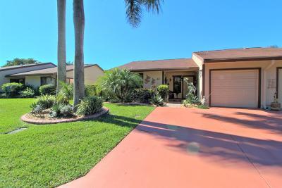 Boynton Beach Single Family Home For Sale: 41 Mayfair Lane
