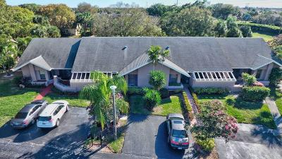 Boca Raton Single Family Home For Sale: 10980 Lake Front Place