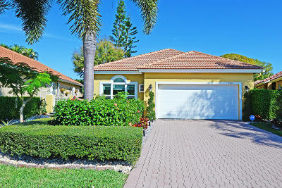 Boca Raton Single Family Home For Sale: 17204 Hampton Boulevard