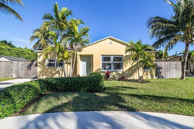 West Palm Beach Single Family Home For Sale: 145 Alhambra Place
