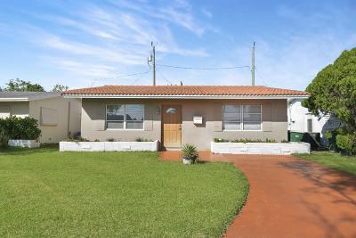 Tamarac Single Family Home For Sale: 2403 NW 54th Street