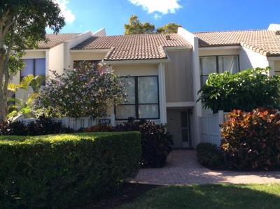 Boca Raton Townhouse For Sale: 2510 Bridgewood Drive