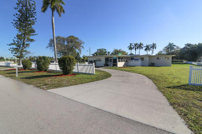 Lake Worth Multi Family Home For Sale: 4188 Coconut Road