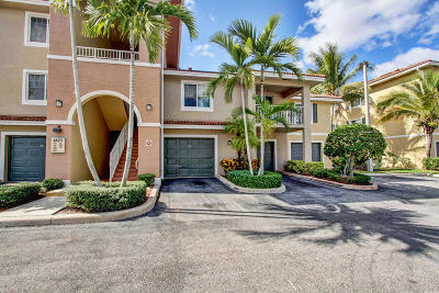 West Palm Beach Condo For Sale: 6573 Emerald Dunes Drive #205
