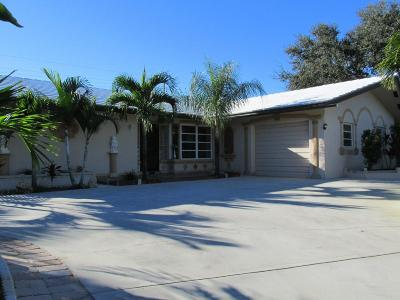 Tequesta Single Family Home For Sale: 121 Fairview E