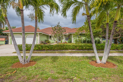 Boca Raton Single Family Home For Sale: 17593 Lake Park Road