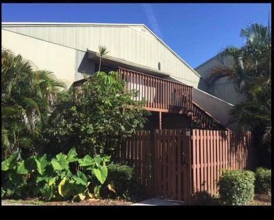 Palm Beach County Condo For Sale: 35 Crossings Circle #E