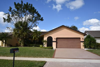 Boca Raton Single Family Home For Sale: 10657 Greenbriar Court