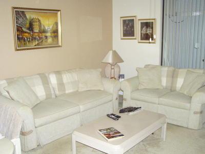 Delray Beach Condo For Sale: 5100 Las Verdes Circle #105