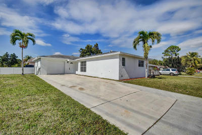 West Palm Beach Single Family Home For Sale: 979 Saint George Street