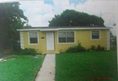 Boynton Beach Single Family Home For Sale: 215 NW 11th Avenue