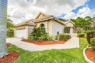 Port Saint Lucie Single Family Home For Sale: 612 SW St Thomas Cove